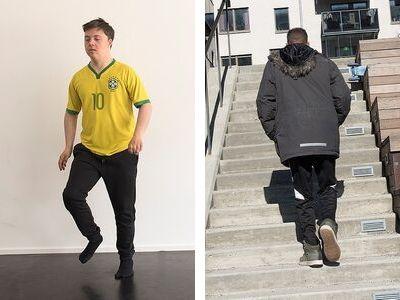 En man går på stället och en man går uppför en trappa.